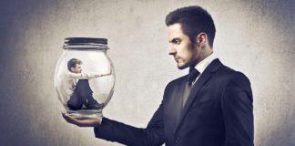 Como identificar e lidar com 5 tipos de colegas tóxicos no trabalho